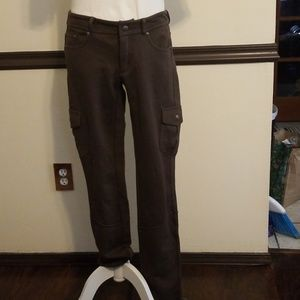 Athleta long and lean cargo jegging pant in size M